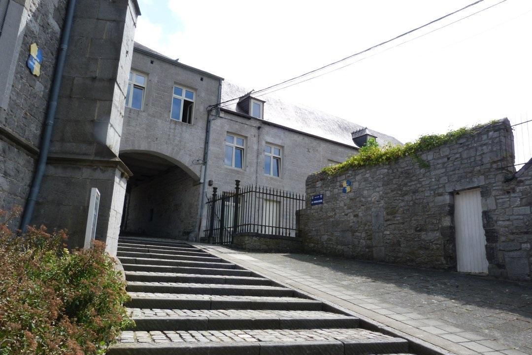 Couvin Escaliers église