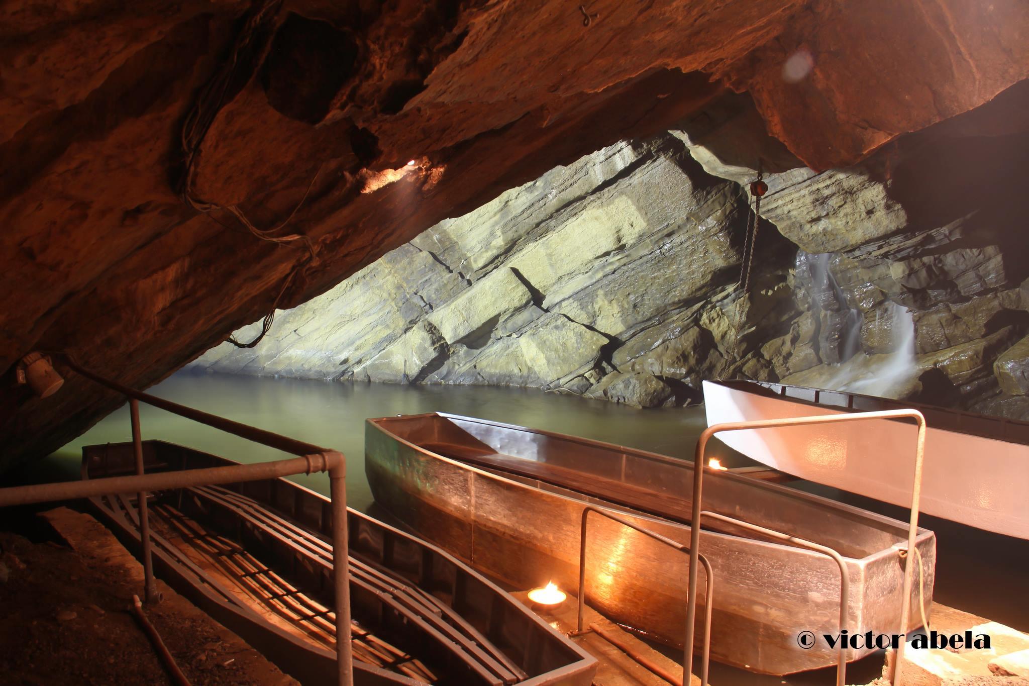 Grottes de Neptune- les barques