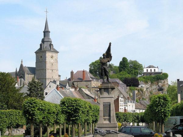 Couvin - Monument
